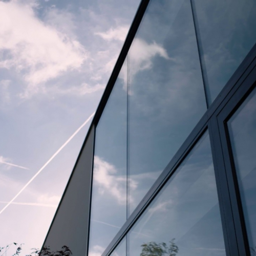 moderne_villa_met_aluminium_ramen-_en_schuiframen